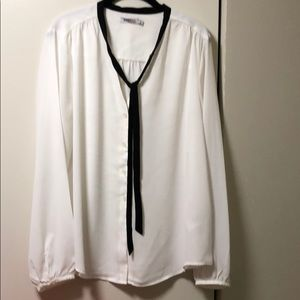 39b22c81e67c0d JustFab Tops   Just Fab Black And White Tiefront Blouse Size Xxl ...